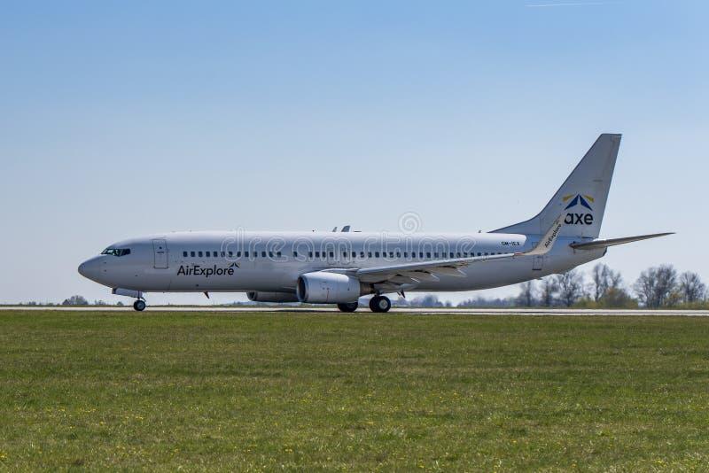 机场布拉格鲁济涅LKPR,波音737-800 图库摄影