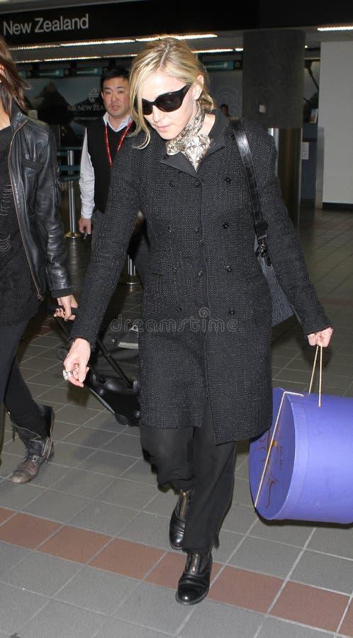 机场松驰madonna被看见的歌唱家 图库摄影
