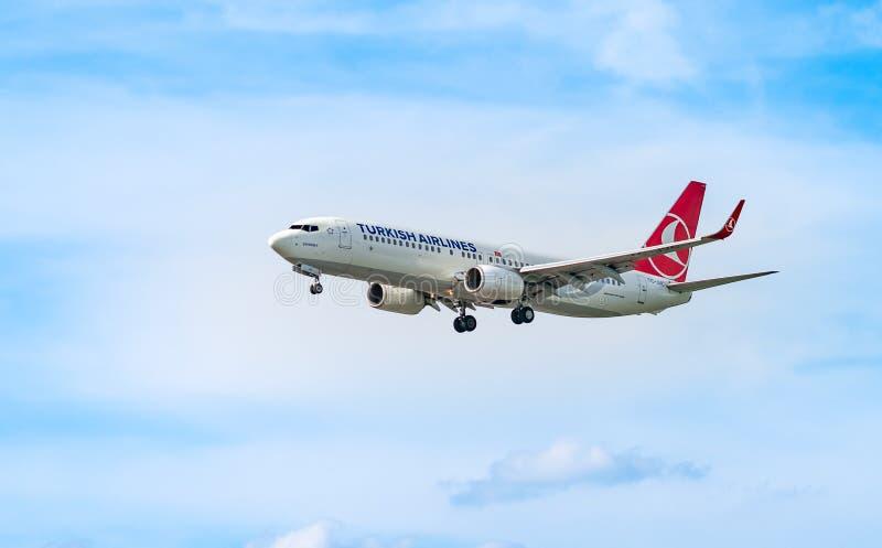 机场法兰克福,德国:2017年6月23日:波音737-800土耳其语 免版税库存照片