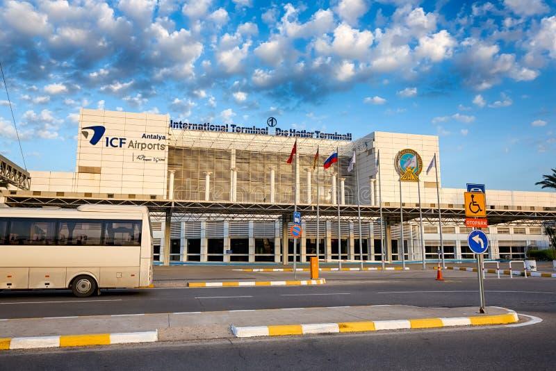 机场的大厦在安塔利亚 免版税库存照片