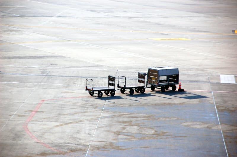 机场行李承运人 免版税库存照片