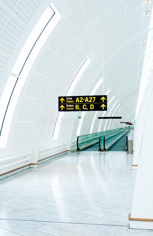 机场走道 免版税库存照片