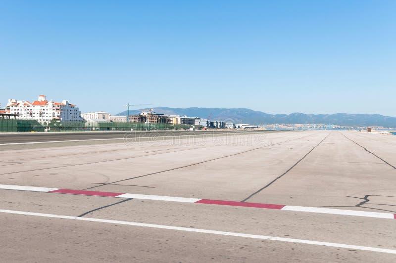 机场跑道在直布罗陀 免版税库存照片
