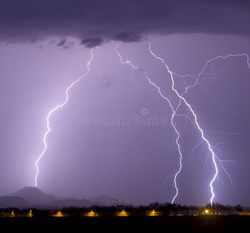 机场闪电 免版税库存照片