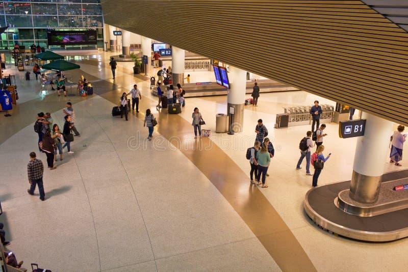 机场领取行李在晚上 免版税库存图片