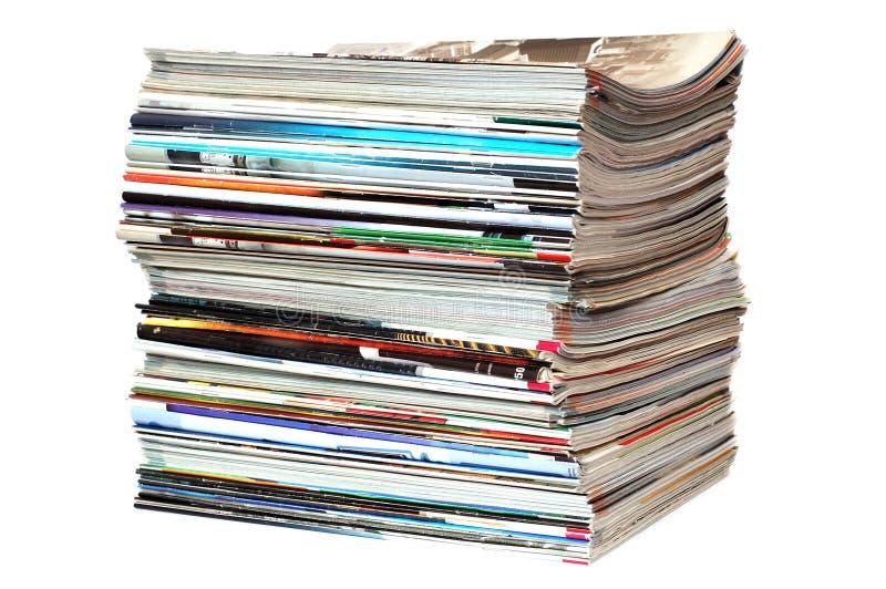 杂志堆白色 免版税库存照片