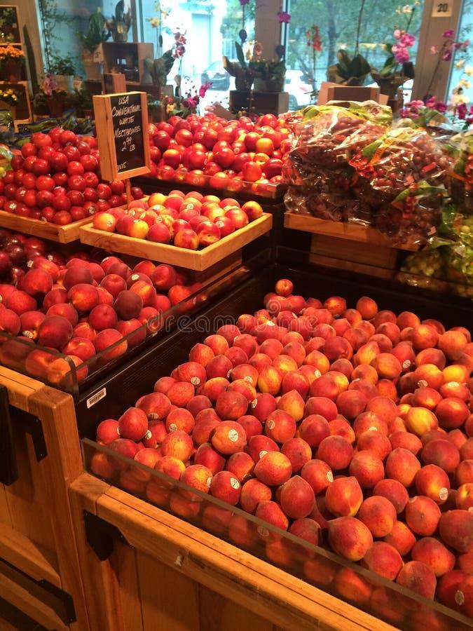 杂货产物果子显示 免版税库存照片