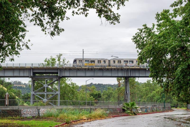 洛杉矶地铁光路轨火车 免版税库存照片