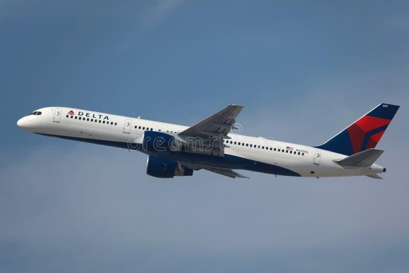 达美航空波音757-200 免版税库存照片