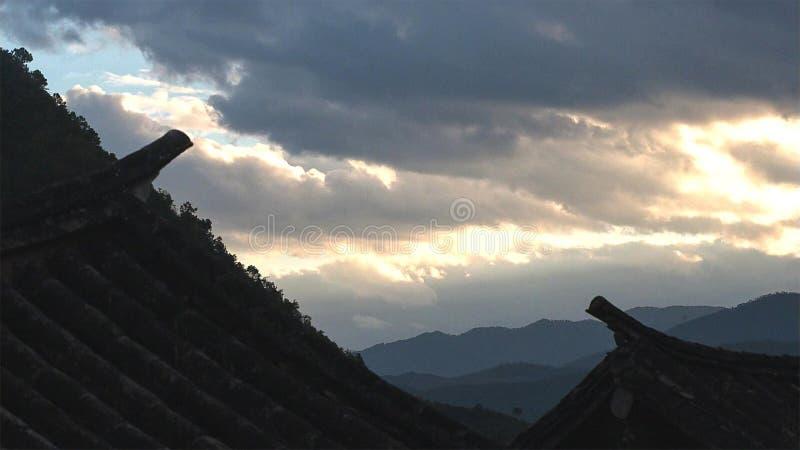 李江,中国老镇屋顶顶视图  库存照片