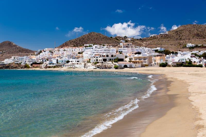 村庄在安大路西亚在海边, Cabo de加塔角,西班牙 免版税库存照片