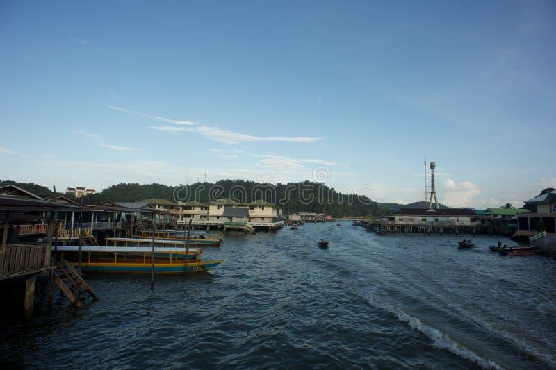 水村庄在文莱达鲁萨兰 免版税图库摄影