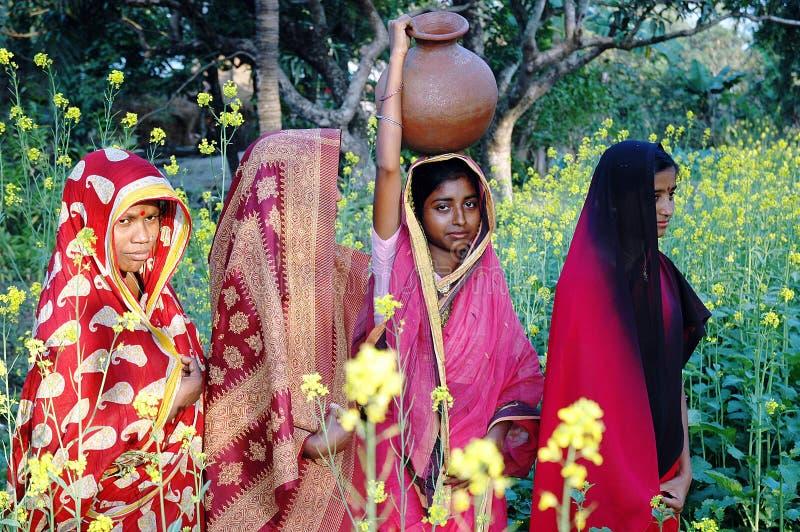 村庄妇女 免版税库存照片