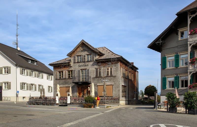 村庄正方形 阿尔贝施文德村庄,福拉尔贝格州,奥地利状态  免版税库存照片