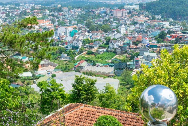 村庄的全景有热带树的 图库摄影