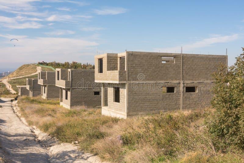 村庄解决的被放弃的建筑 库存照片
