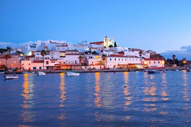 村庄Ferragudo在日落的葡萄牙 免版税图库摄影