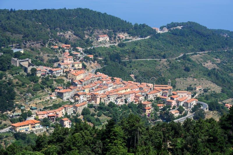 村庄Marciana的鸟瞰图厄尔巴岛的,意大利 库存图片