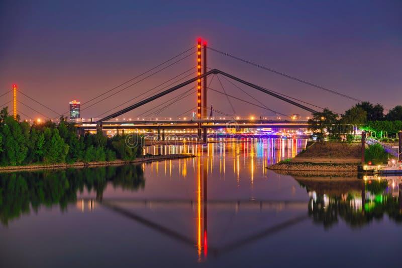 杜塞尔多夫桥梁德国 图库摄影