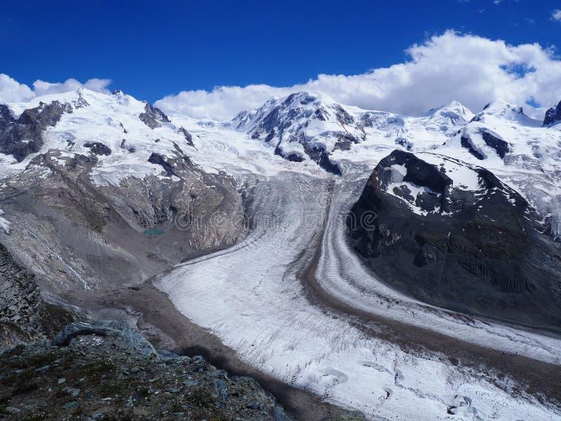 杜富尔峰,高山冰川风景和Dufourspitze最高在瑞士阿尔卑斯登上在瑞士 免版税库存图片