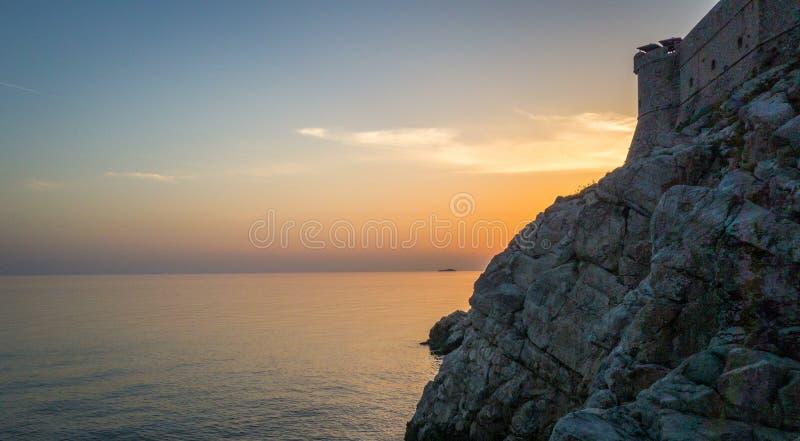 杜布罗夫尼克克罗地亚,在日落期间的堡垒 免版税库存照片