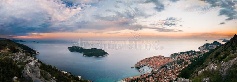 杜布罗夫尼克和Lokrum海岛全景  免版税图库摄影