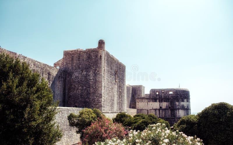 杜布罗夫尼克老城市墙壁  免版税库存图片