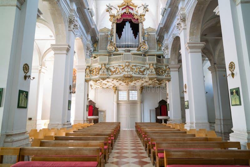 杜布罗夫尼克,克罗地亚- 2016年7月19日:圣母玛丽亚大教堂的做法 库存照片