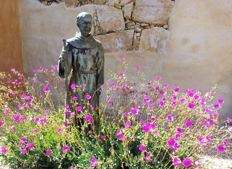 杜松Serra雕象 免版税图库摄影