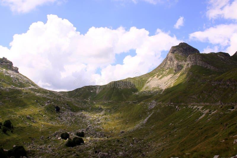 杜米托尔国家公园国家公园,有路的黑山 库存照片