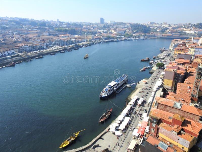 杜罗河的看法 波尔图 葡萄牙 免版税库存图片