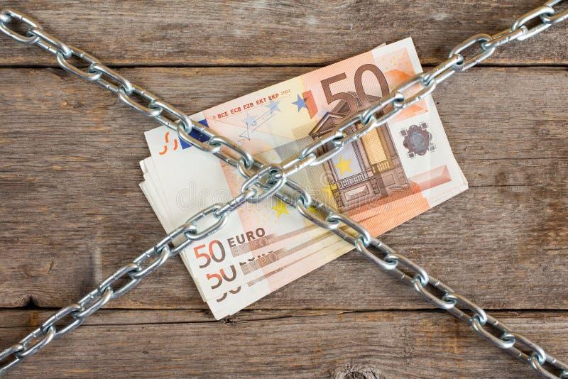束与链子的五十欧元 库存照片
