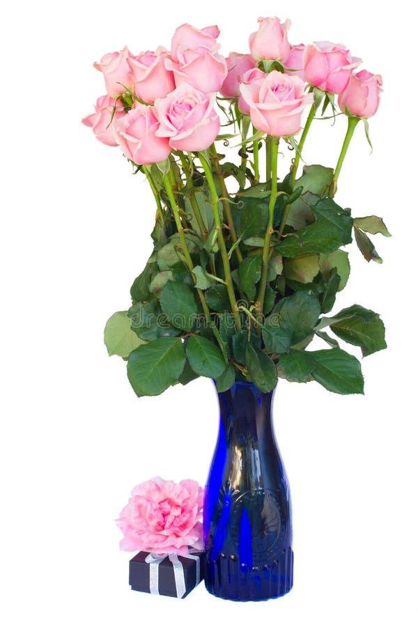 束新鲜的桃红色玫瑰 免版税库存图片