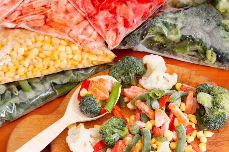 束混杂的结冰的菜 免版税库存图片