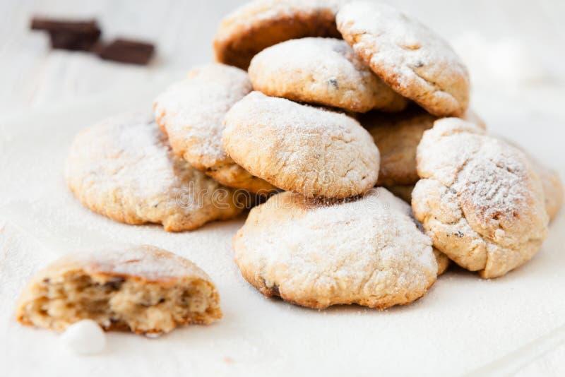 束自创一种油脂含量较高的酥饼用巧克力 免版税库存照片