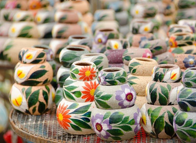 束陶瓷墨西哥罐 免版税库存照片