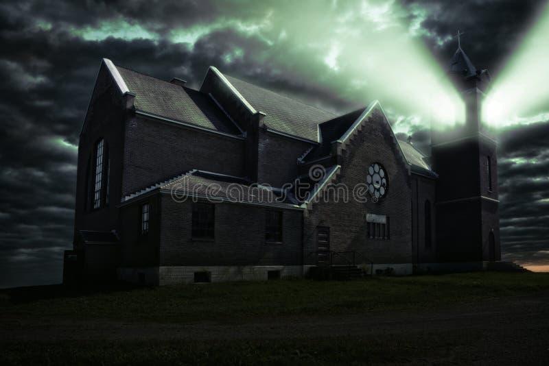 来自钟楼的光一个困扰了教会 库存例证