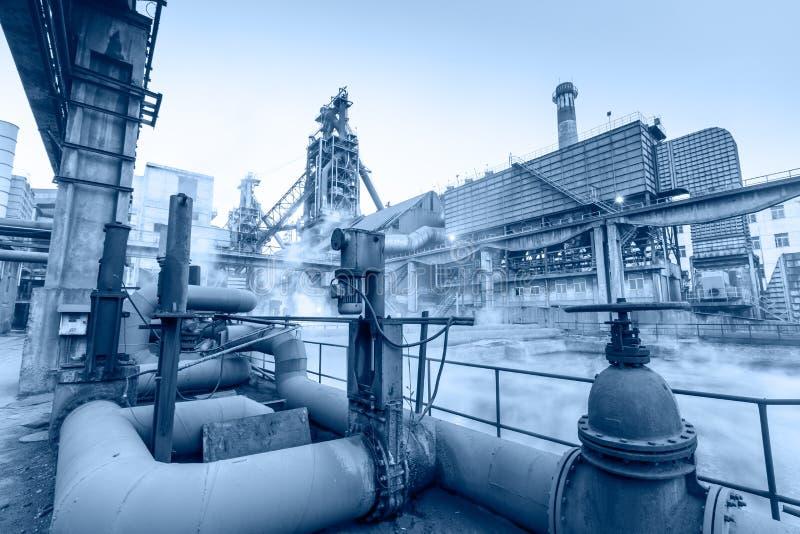 杭州铁和钢铁厂用管道运输设备场面 库存图片
