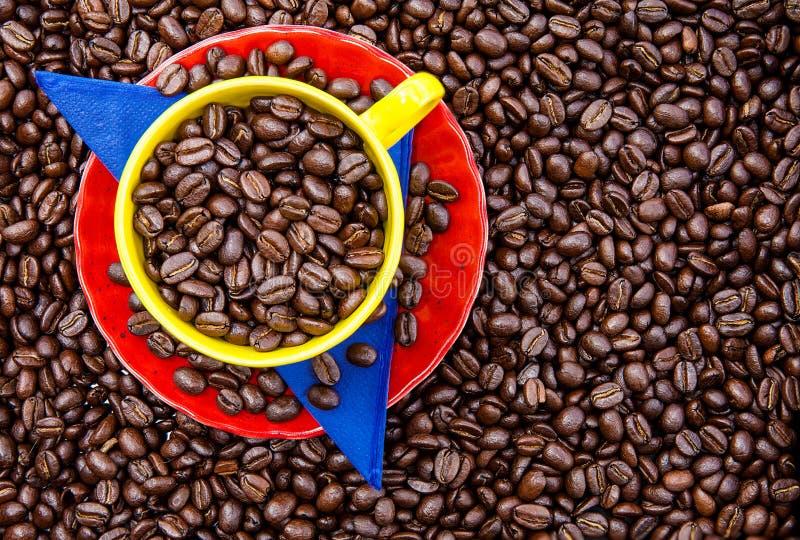 杯哥伦比亚的咖啡和哥伦比亚的旗子ove的颜色 库存照片