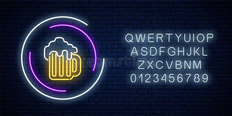 杯子的霓虹灯广告在圈子框架的啤酒与字母表 光亮广告牌 客栈或酒吧象征设计 皇族释放例证