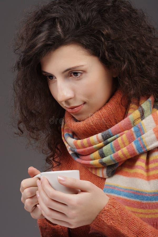杯子茶妇女 免版税库存图片
