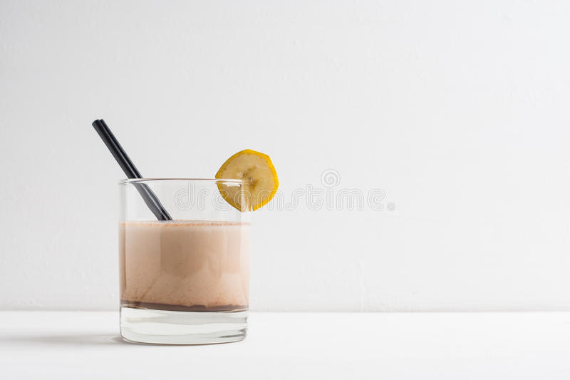 杯巧克力奶昔 免版税库存图片