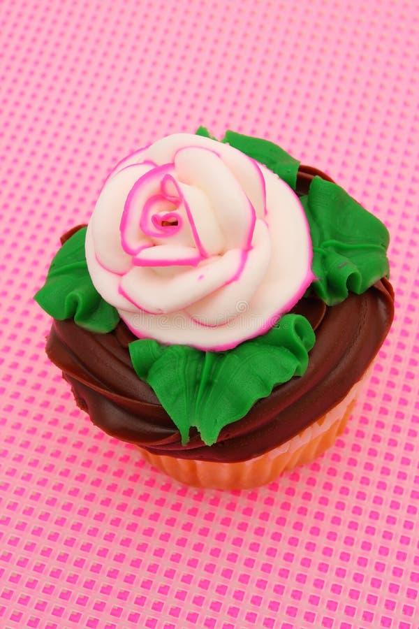 杯形蛋糕玫瑰花蕾 库存图片