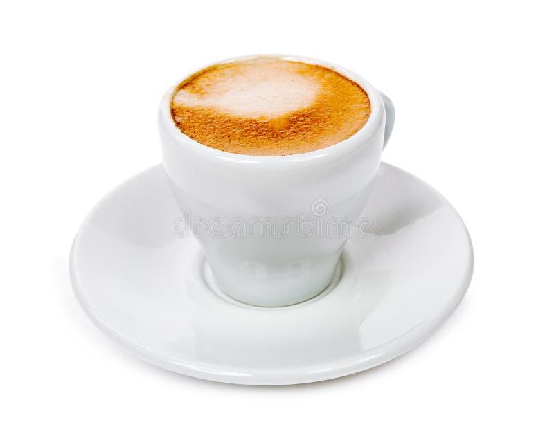 杯用在白色backgroun隔绝的茶碟的芬芳咖啡 免版税图库摄影