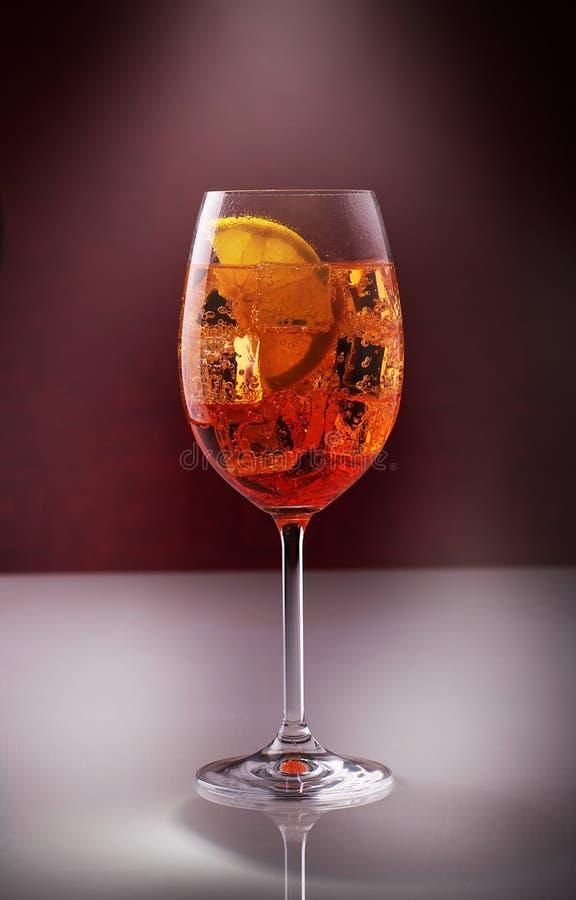 杯用大杯喝的饮料 库存照片