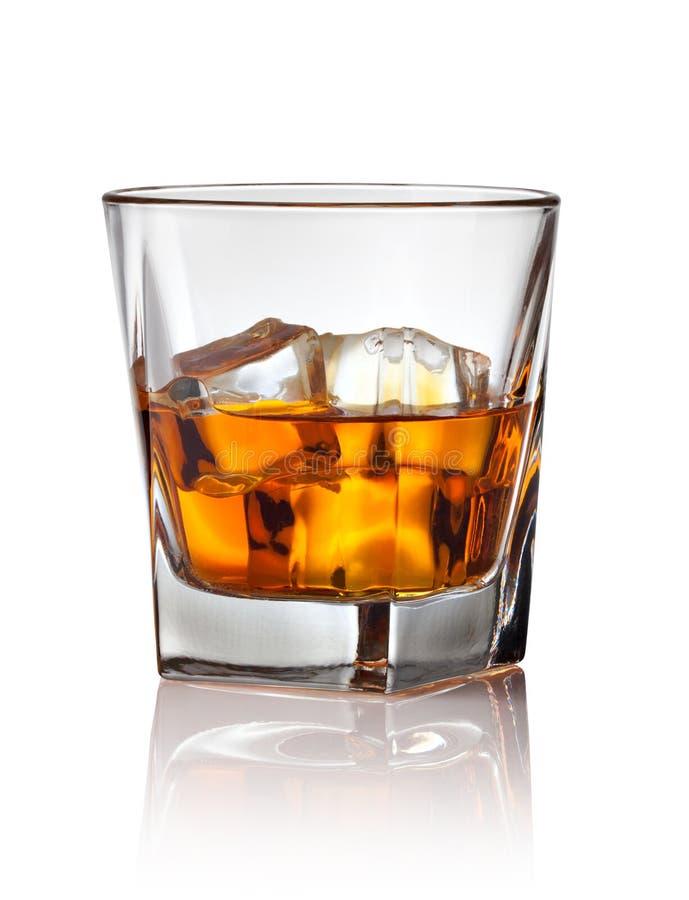 杯苏格兰威士忌酒和冰 库存照片