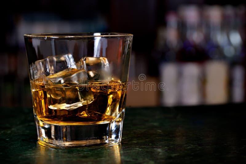 杯苏格兰威士忌酒 免版税图库摄影