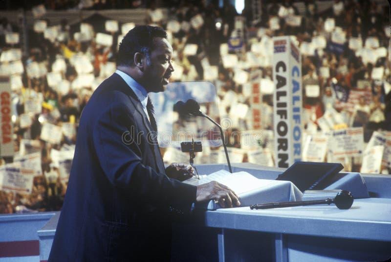 杰斯・杰克逊牧师对人群在2000民主党大会在斯台普斯中心,洛杉矶,加州演讲 库存照片