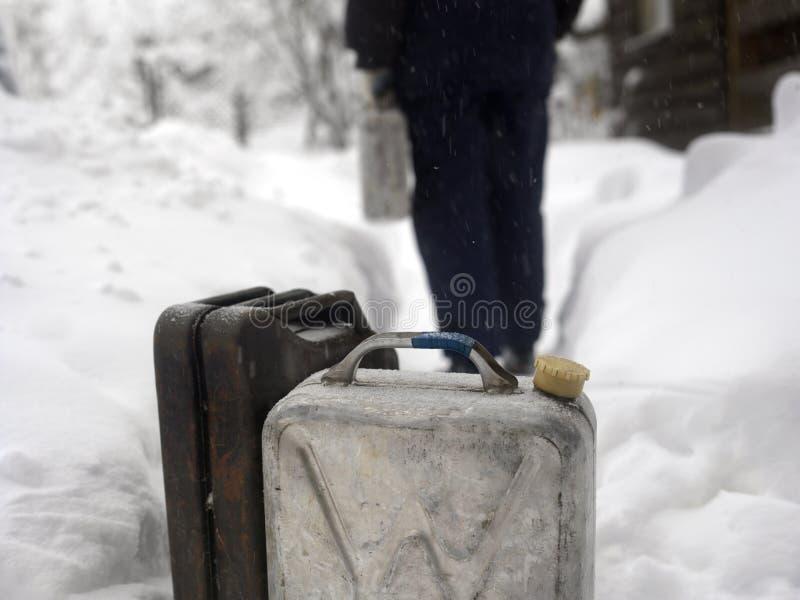 杰瑞罐头在冬天 免版税库存图片