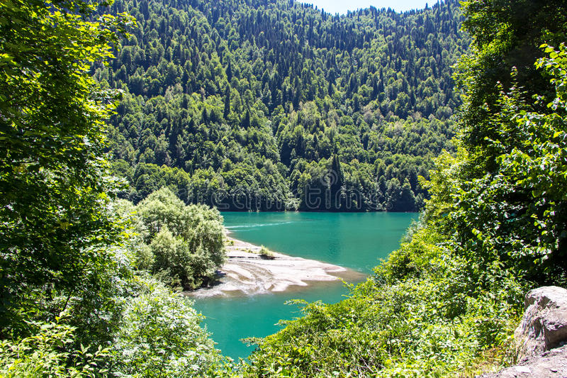 绿松石湖照片在山中的 图库摄影